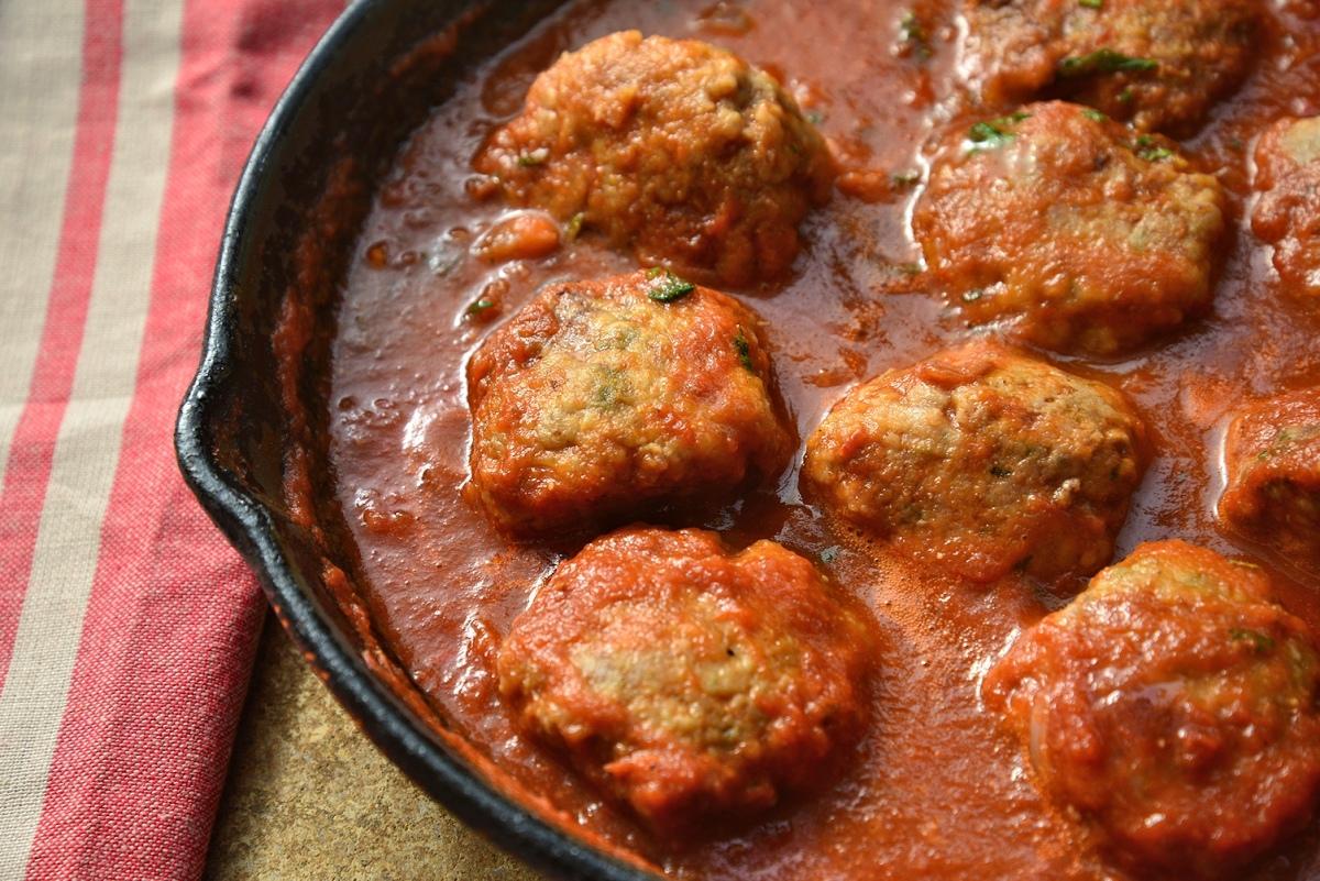 TЕФТЕЛИ (meatballs) В ТОМАТНОМ СОУСЕ ДЛЯ СПАГЕТТИ