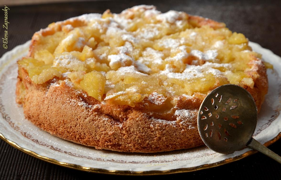 Сметанный пирог простой с яблоками