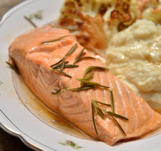 salmon with rosemary lemon and garlik