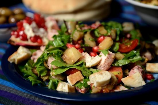 Салат с хумусом и салат с курицей - 2 салата в морроканском стиле
