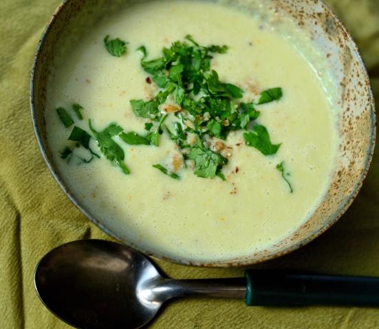 Суп-пюре из цветной капусты и кокосовым молоком