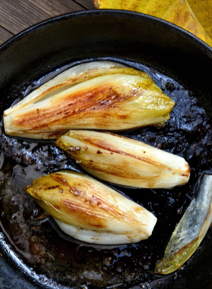 Жареный эндивий - цикорий салатный