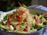 Салат из фенхеля, красного перца ирукколы