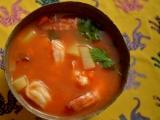 Мексиканский суп из креветок ко дню Святого Валентина Caldo deCamarón